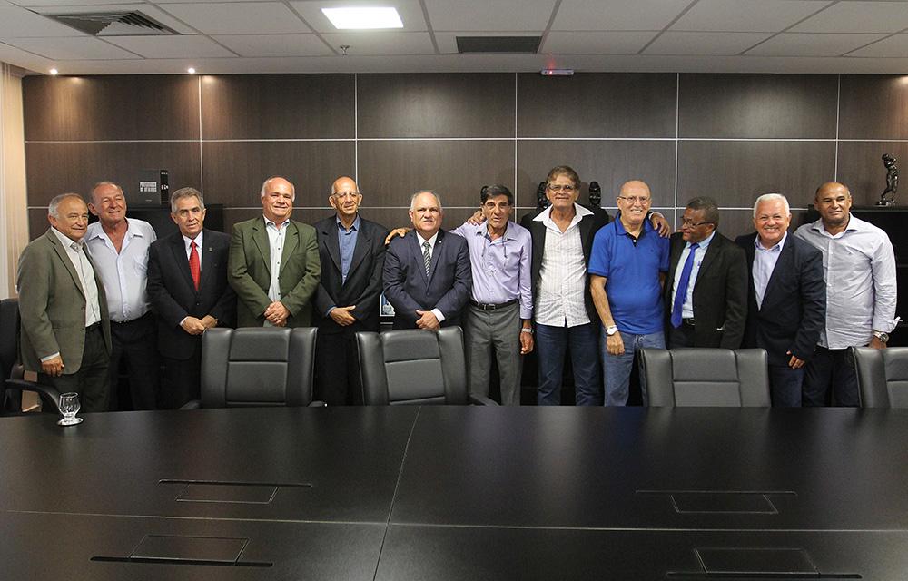 Encontro com os ex-jogadores do CSA ocorreu na manhã desta quarta-feira (5).