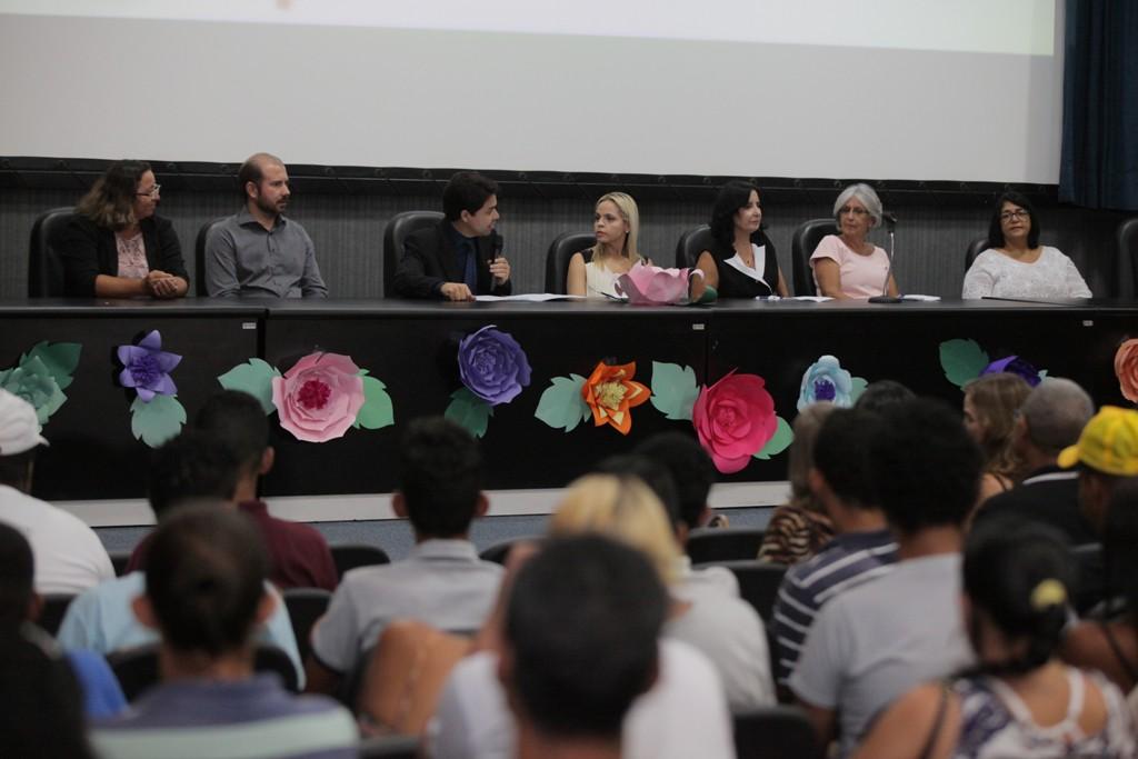 Juiz Hélio Pinheiro lembrou das lutas e desafios para que as mulheres encontrem igualdade