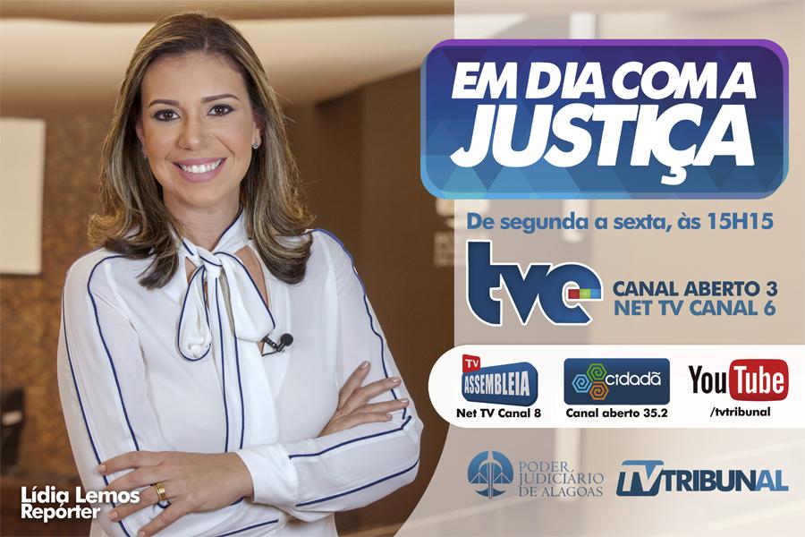 Jornalista Lídia Lemos, da TV Tribunal.