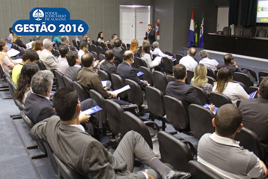 Magistrados participaram de curso sobre eleições municipais, em julho de 2016. Foto: Bárbara Guimarães