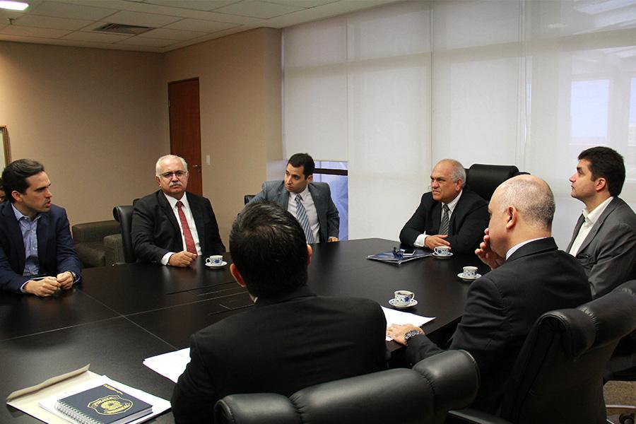 Reunião do presidente do TJ/AL com os prefeitos ocorreu nesta sexta-feira (14).