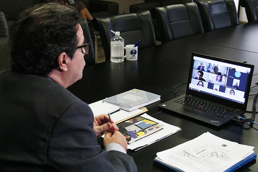 Presidente Tutmés Airan empossa mais nove técnicos judiciários