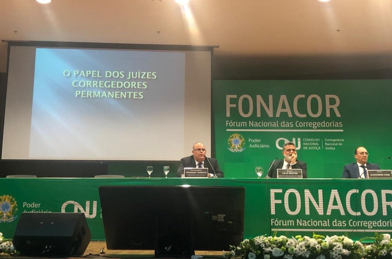 Experiencia da Justiça alagoana é apresentada pelo corregedor-geral Fernando Tourinho. Foto: Cortesia