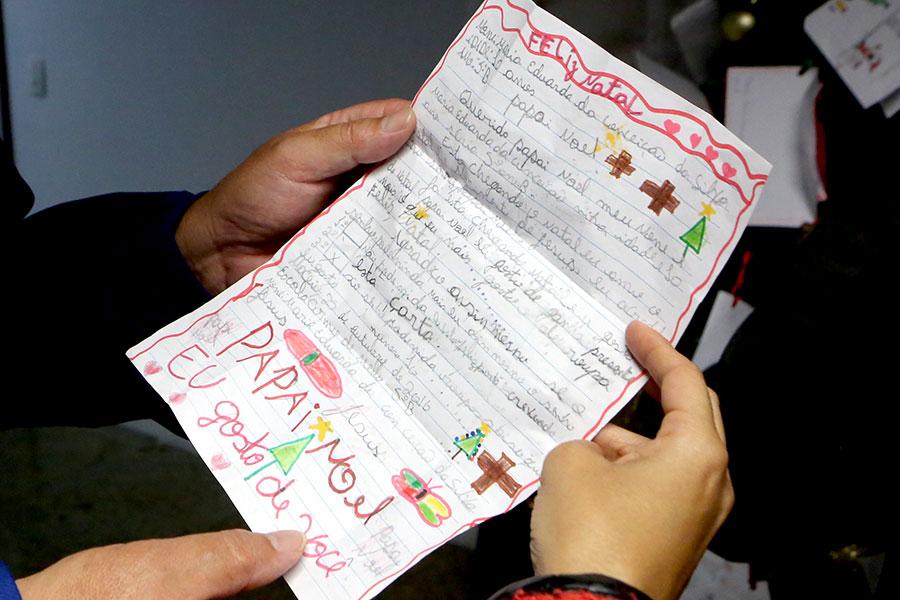 Detalhe de uma das 153 cartas adotadas pelos servidores do Judiciário alagoano
