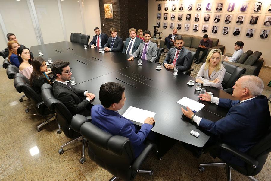 Juízes visitam presidente do TJAL em finalização do curso de formação