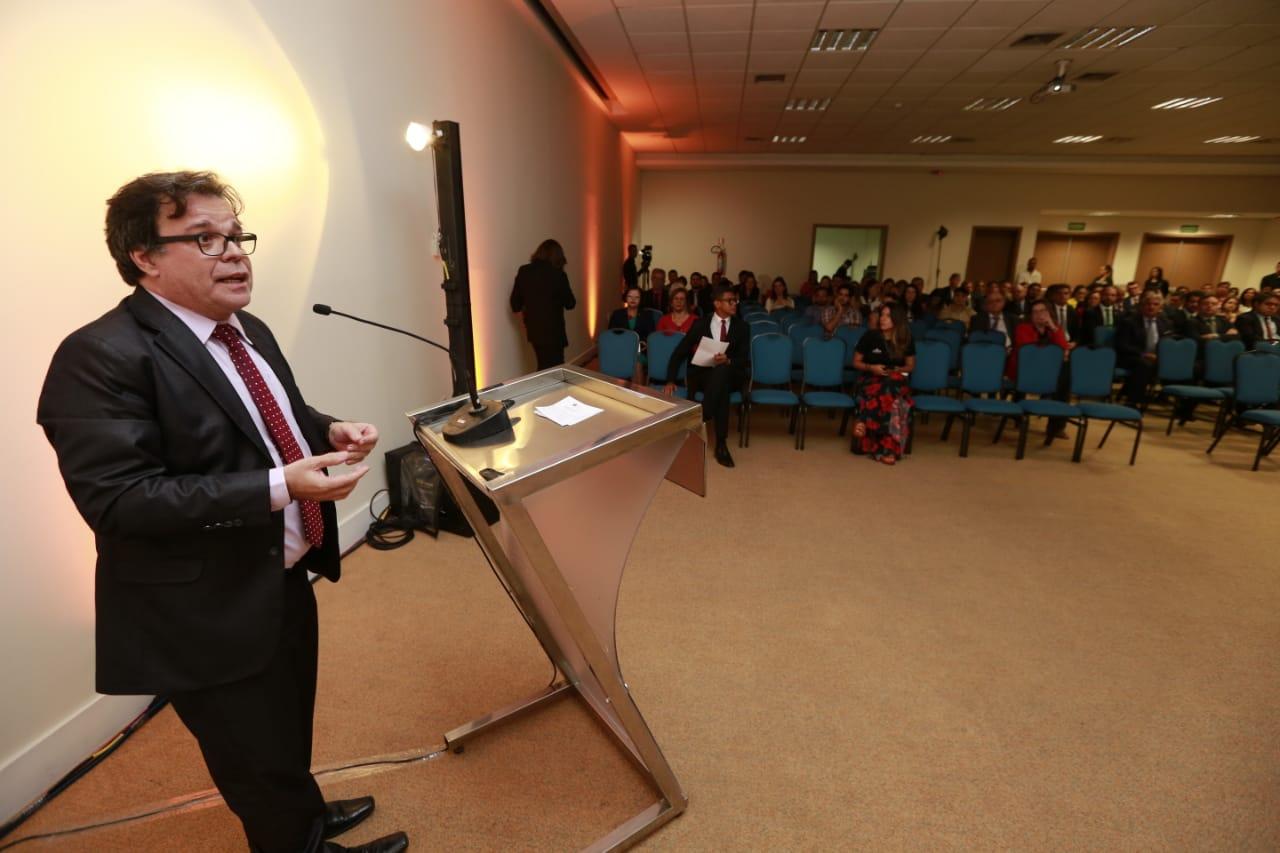 Presidente Tutmés Airan participou da abertura do Fórum. Foto: Caio Loureiro