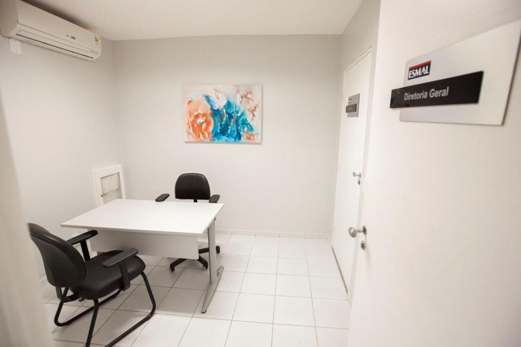 Sala de espera oferece mais conforto e organização para a Esmal. Foto: Itawi Albuquerque