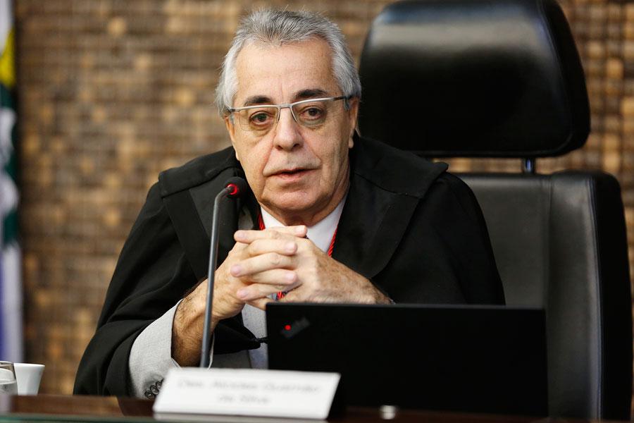 Alcides Gusmão é eleito presidente da Seção Especializada Cível do TJAL