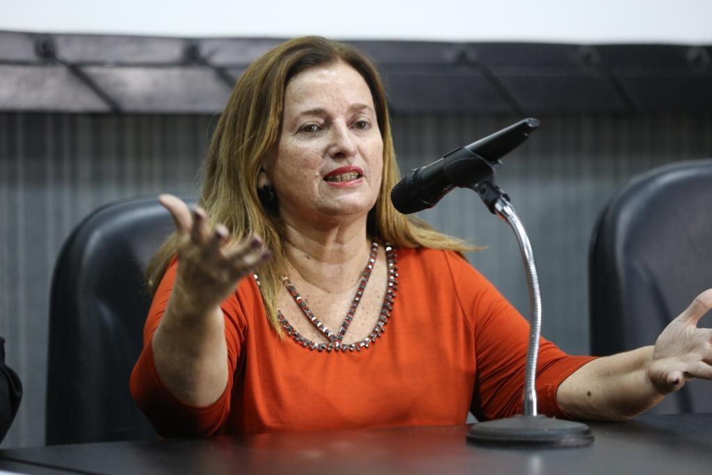 Noélia Costa, presidente do Fórum Permanente de Combate às Drogas.