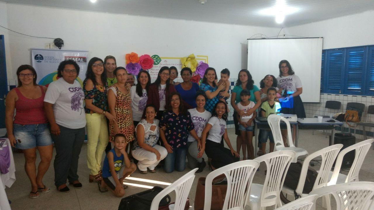 Cidadania e Justiça promove roda de diálogo com mães e alunos de escola municipal