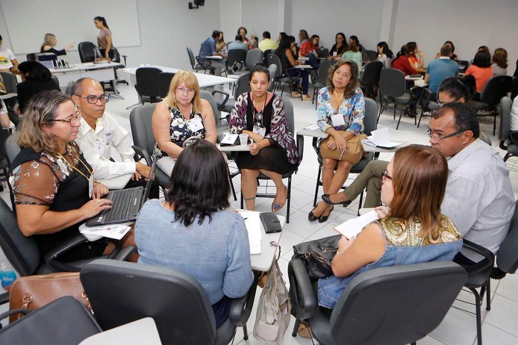 Educadores participaram de workshop, nesta quarta-feira (21), na Esmal.