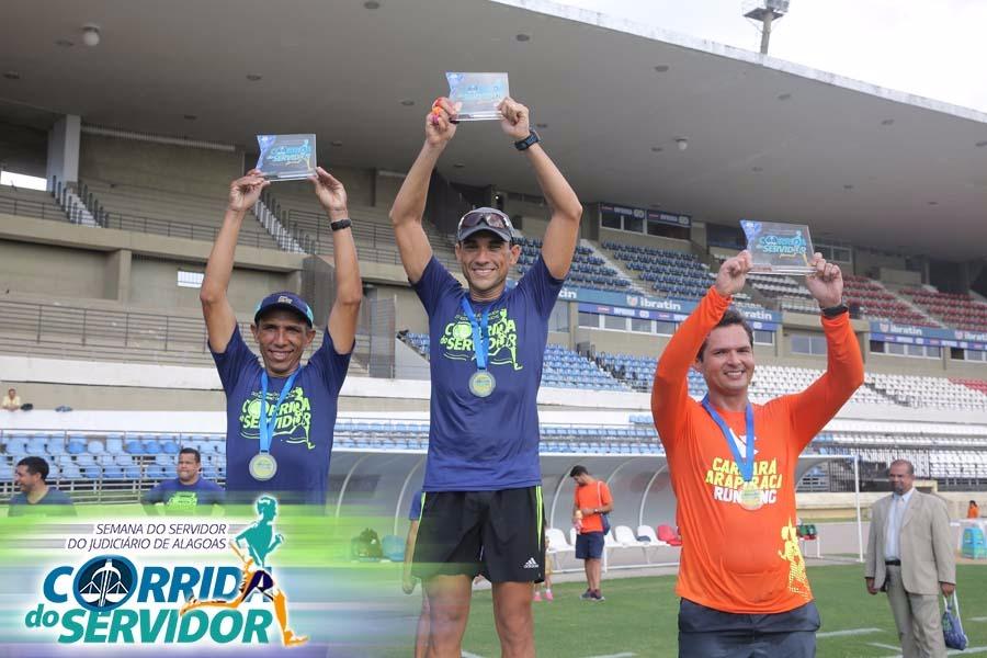 Sérgio Cândido (2º), José Baptista (1º) e Fabrício Lúcio (3º) integraram o pódio da corrida.
