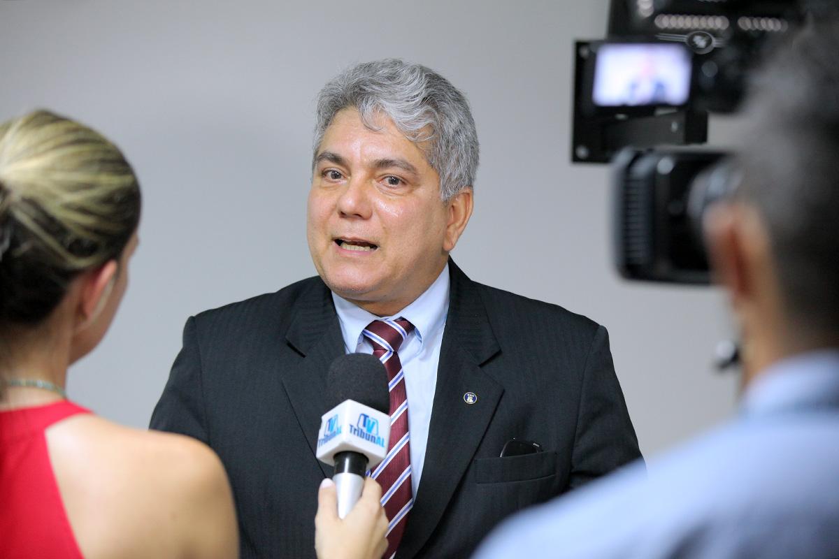 Magistrado Wlademir Paes em entrevista para a TV Tribunal. Foto: Itawi Albuquerque