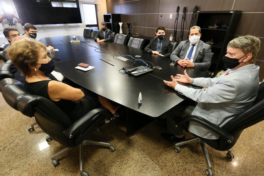 Presidente Klever Loureiro durante reunião com diretoria da Almagis / Foto: Caio Loureiro