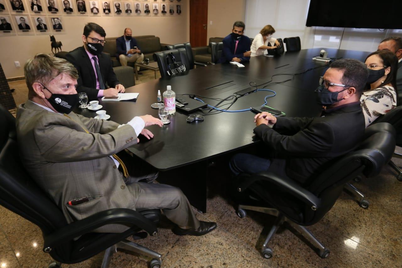 Presidente Klever durante reunião com diretoria do Serjal / Foto: Caio Loureiro