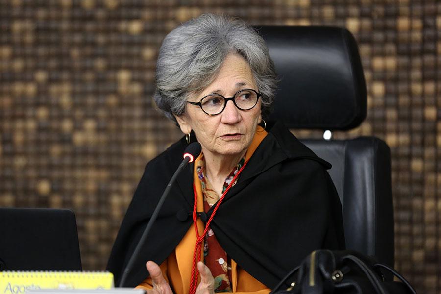 Desembargadora Elisabeth Carvalho assume Direção da Esmal