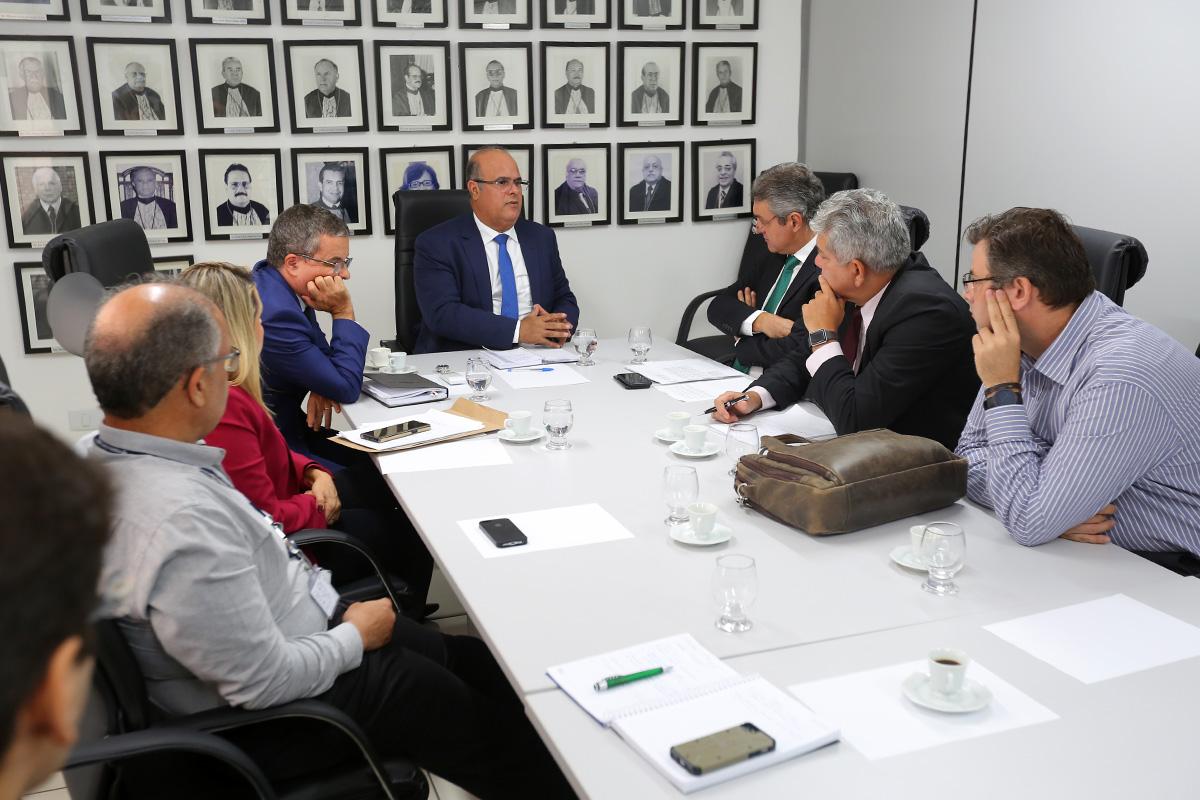 Membros do Funjuris apresentaram demandas para o corregedor Fernando Tourinho. Foto: Itawi Albuquerque