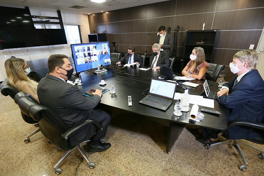 Klever Loureiro preside primeira sessão do Pleno em 2021
