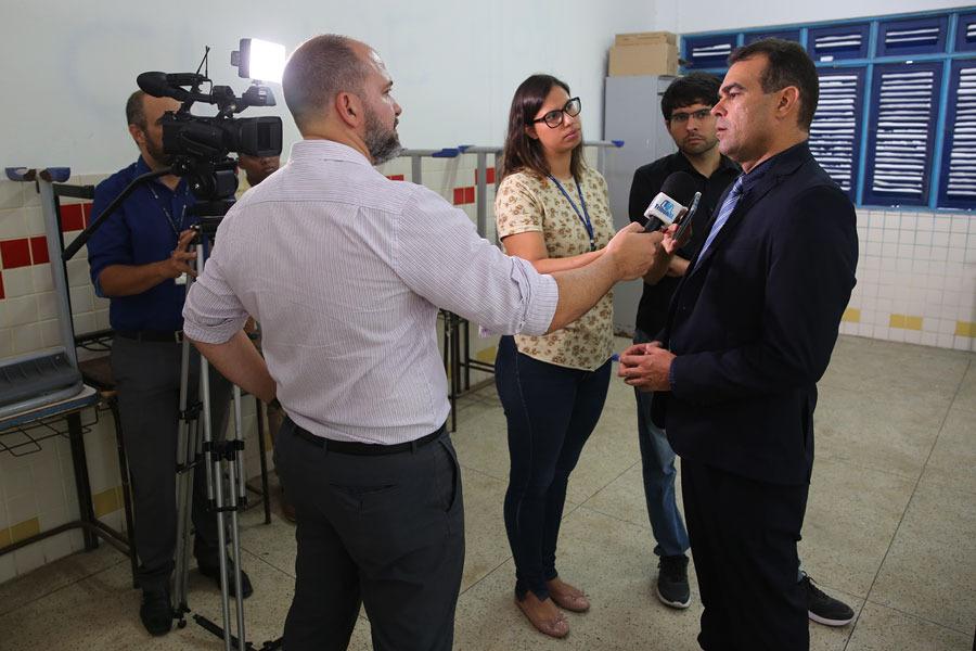 Juiz André Gêda concede entrevista.