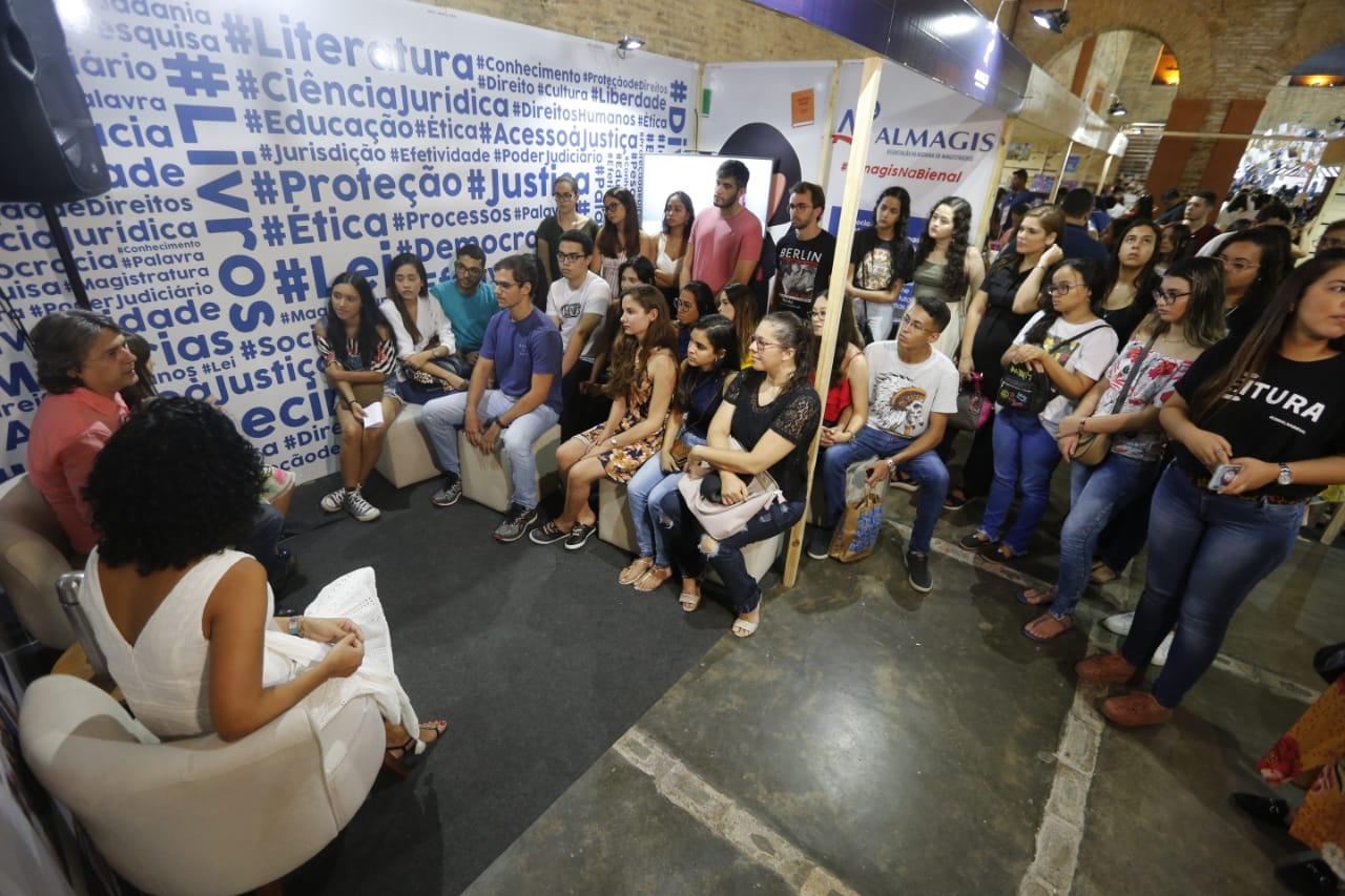 Juiz Alberto Jorge aborda 'Direito Penal do inimigo' com público da Bienal do Livro