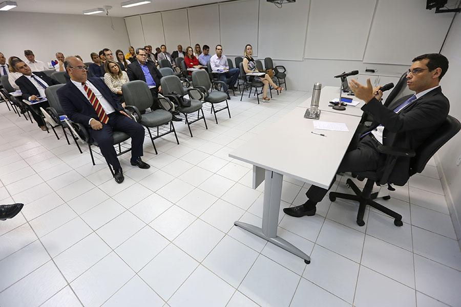 Fernando Tourinho, diretor-geral da Esmal, acompanhou a abertura do curso.