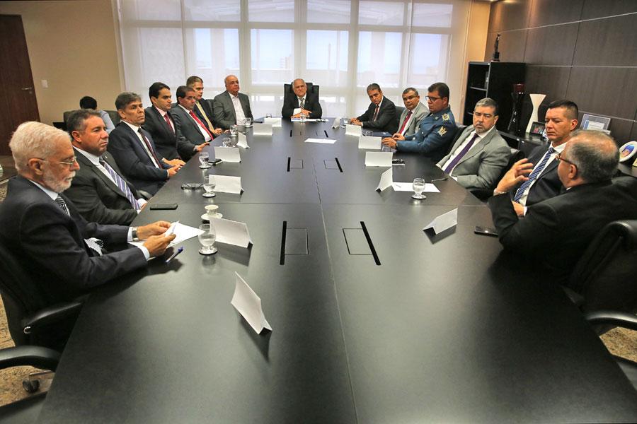 Presidente Otávio Praxedes recebeu autoridades do Conseg.