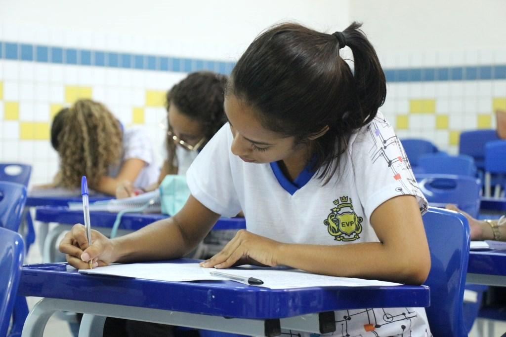 PCJE: escolas da rede pública aplicam provas para concurso de redações da Esmal