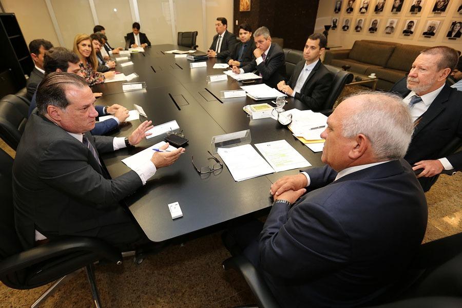 Reunião com representantes da OAB/AL e da Defensoria ocorreu na manhã desta quinta (4), no TJAL.