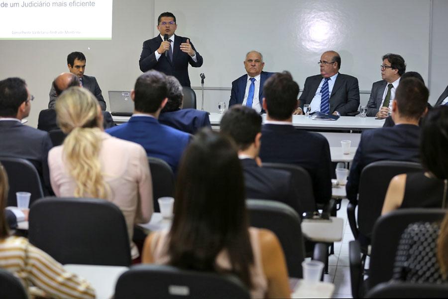 Conselheiro do CNJ falou sobre eficiência no Judiciário para os novos juízes de Alagoas, empossados na última segunda (15).