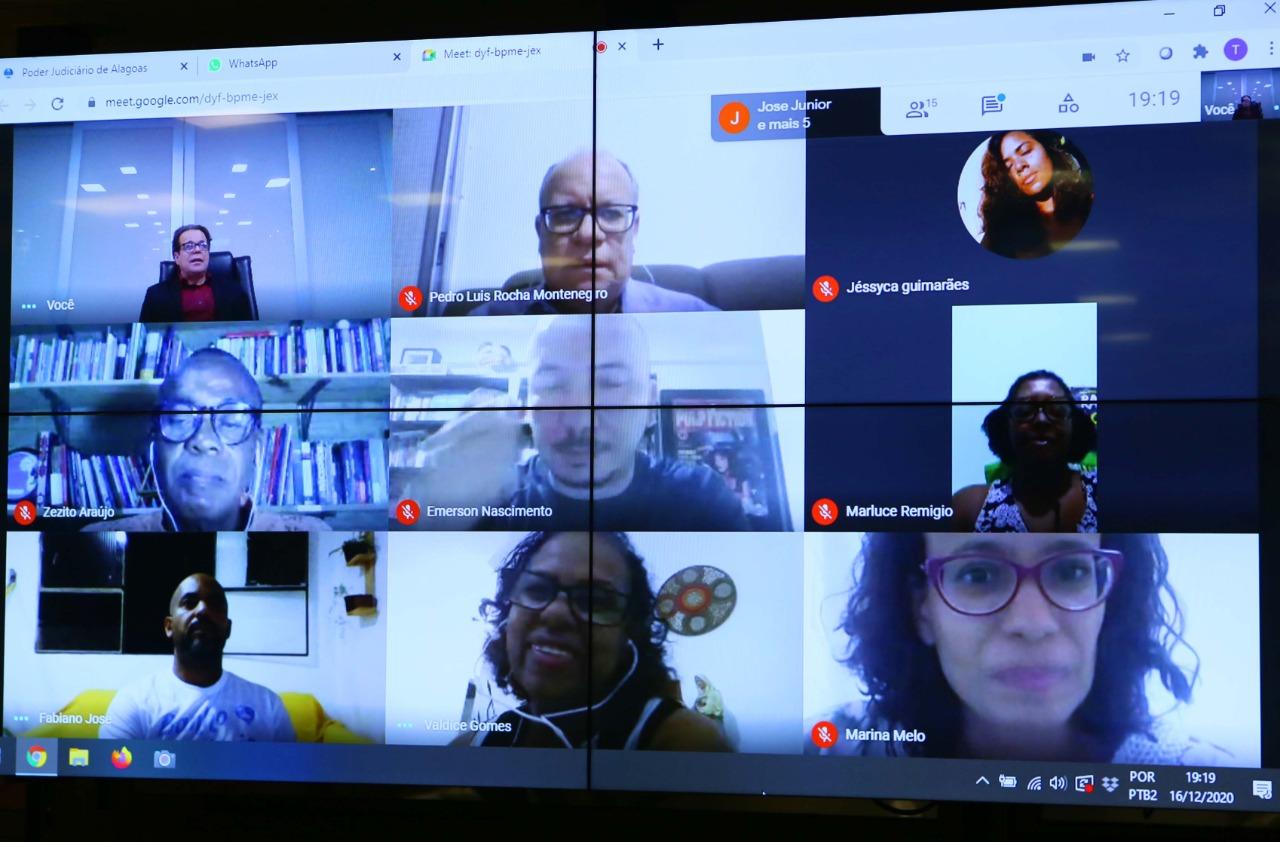 Representantes do movimento negro de Alagoas puderam dar sugestões sobre a minuta. Foto: Adeildo Lobo