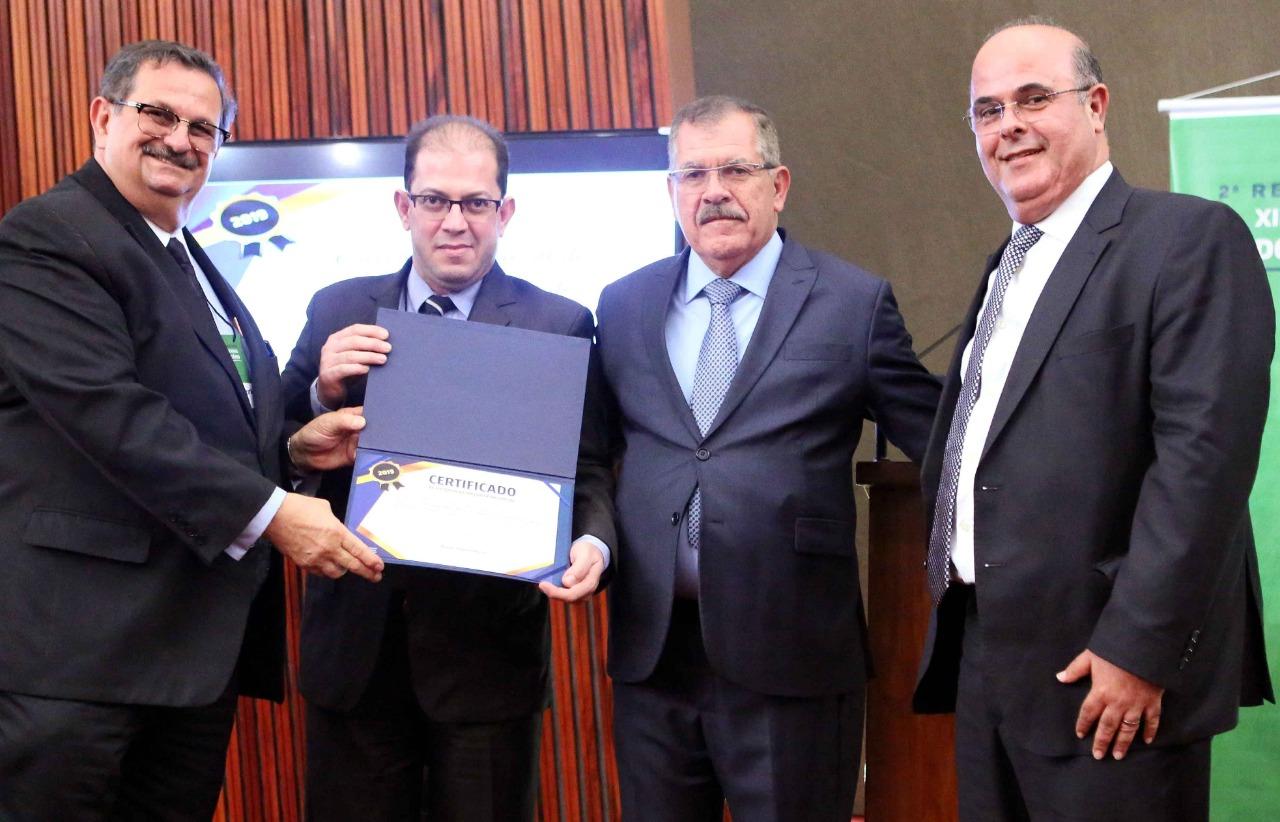 Também houve a premiação com o Certificado de Eficiência das Corregedorias-Gerais de Justiça que cumpriram, integralmente, as 20 metas nacionais do serviço extrajudicial.