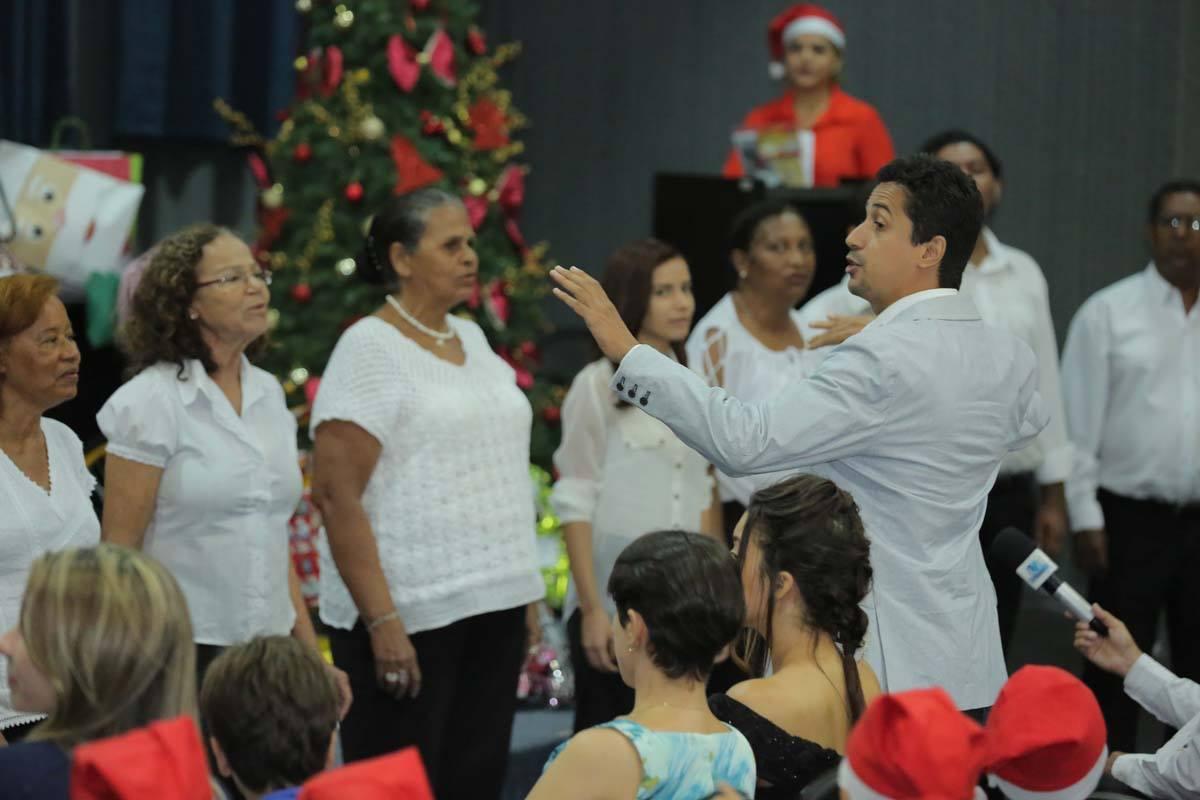 Coral do TJ/AL interpretou canções de Natal. Foto: Itawi Albuquerque