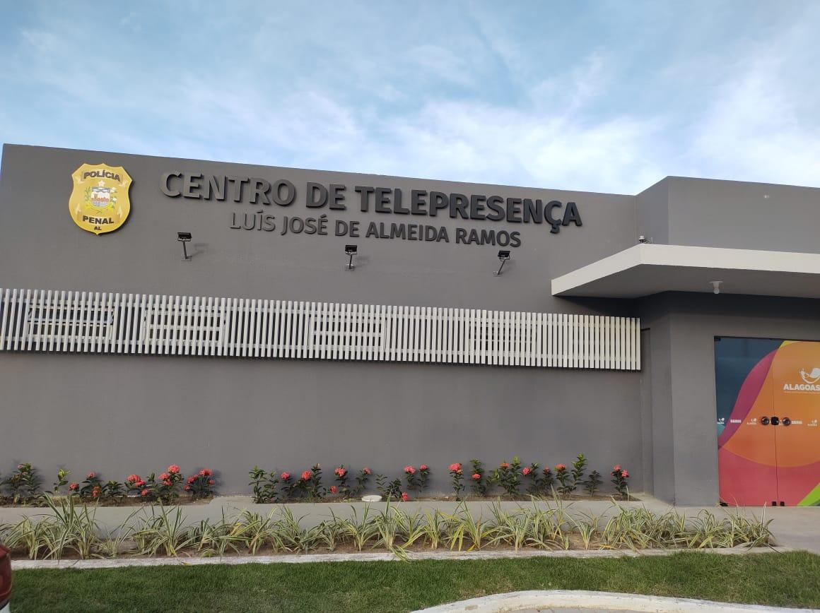 Centro de Telepresença funciona dentro do Complexo Prisional, em Maceió.