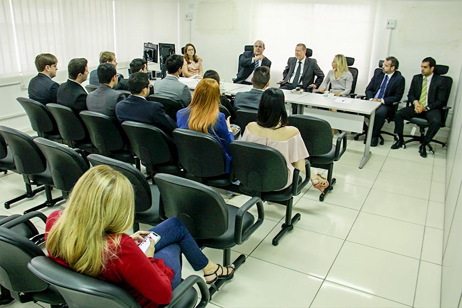 Novos juízes do TJ/AL visitam a Corregedoria-Geral da Justiça