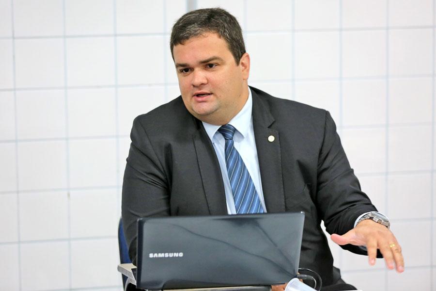 Juiz André Parízio, responsável pela Comarca de Taquarana.