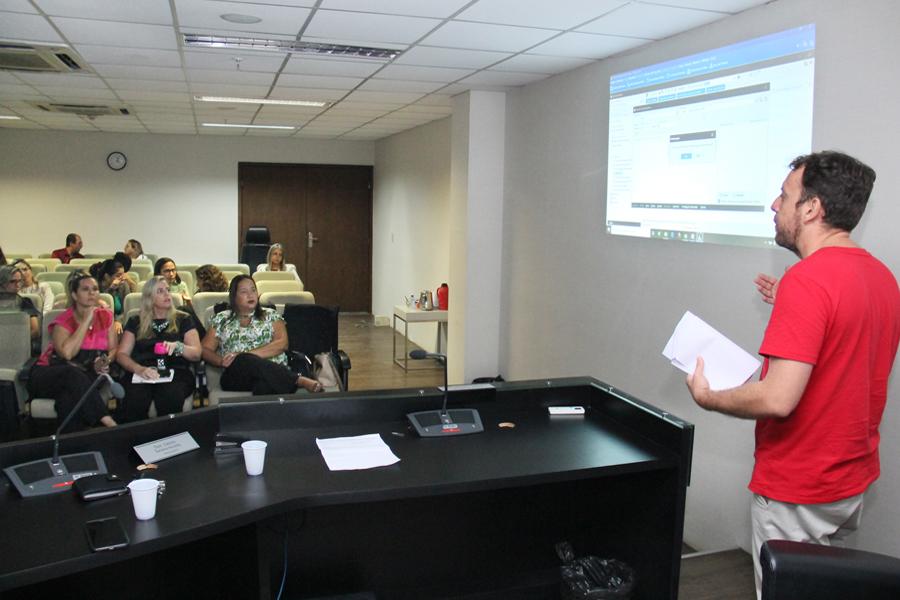 Servidores dos Cejuscs participam de treinamento sobre o SAJ Pré-Processual
