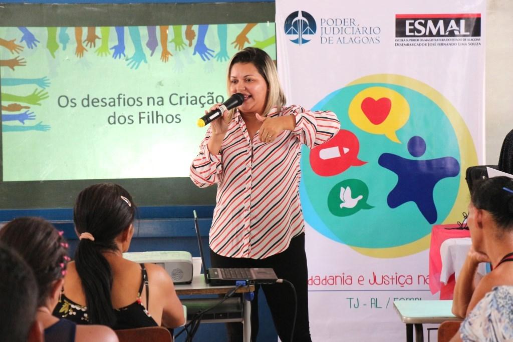 Esmal promove palestra em alusão ao Dia Internacional da Família