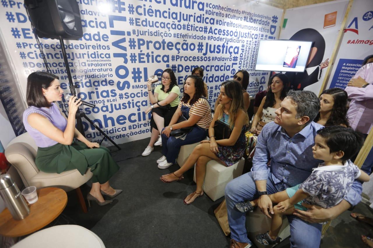 Juíza Carolina Valões também falou sobre ações educativas para evitar casos de violência doméstica. Foto: Caio Loureiro