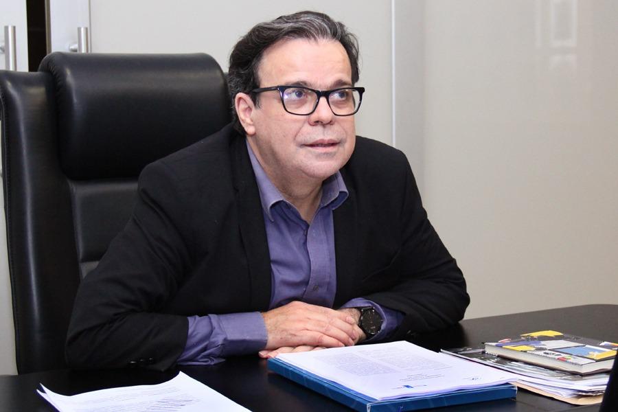Presidente Tutmés Airan acompanhou a realização do Mutirão da Transcidadania.