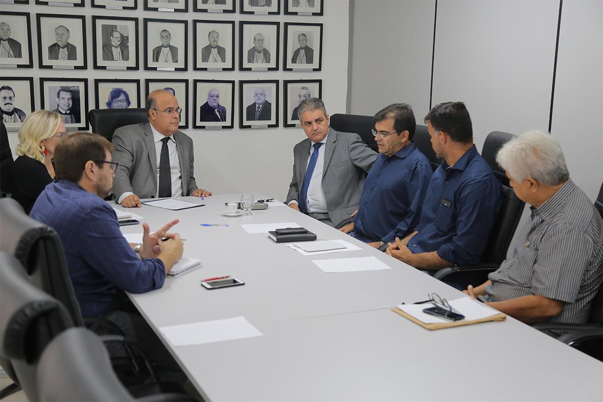 No momento do encontro foi estabelecida uma previsão da data de entrega. Foto: Itawi Albuquerque