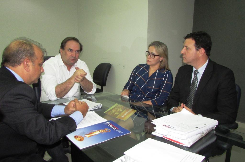 Juiz Manoel Cavalcante, secretário de Educação Luciano Barbosa, secretária executiva da Seduc, Laura Souza, e secretário executivo de Gestão Interna da Seduc, Sérgio Newton