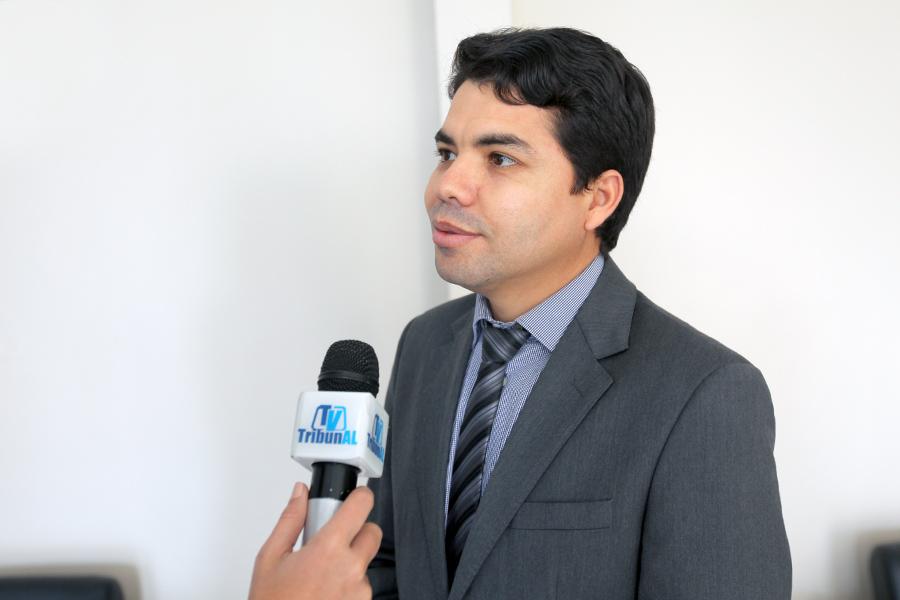 Juiz Hélio Pinheiro, coordenador do PCJE, destaca função social do programa. Foto: Itawi Albuquerque