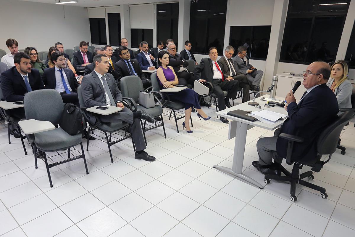 Corregedor Fernando Tourinho também dialogou sobre os benefícios do Selo Digital. Foto: Itawi Albuquerque