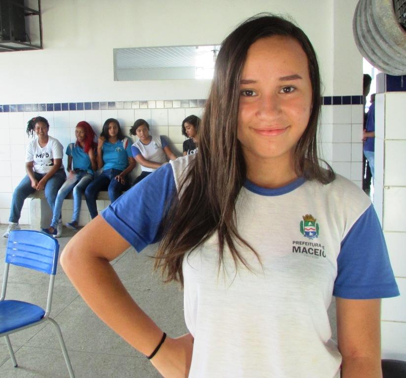 Tauane da Silva, estudante da Escola Municipal Antídio Vieira.
