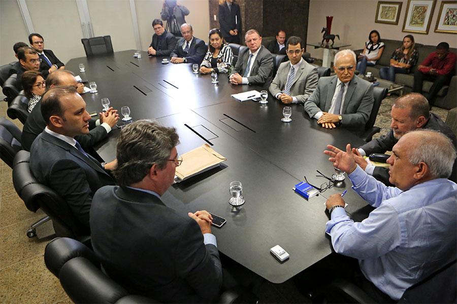 Reunião aconteceu no gabinete da Presidência do TJ/AL, nesta segunda (13).