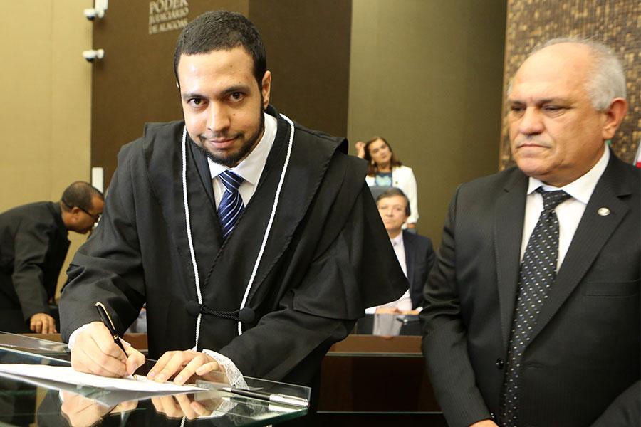 Juiz Eric Baracho Dore Fernandes.
