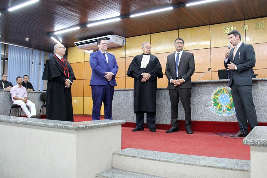 Segundo o juiz Henrique Teixeira, o maior obstáculo para a realização dos júris está no recambiamento dos presos.