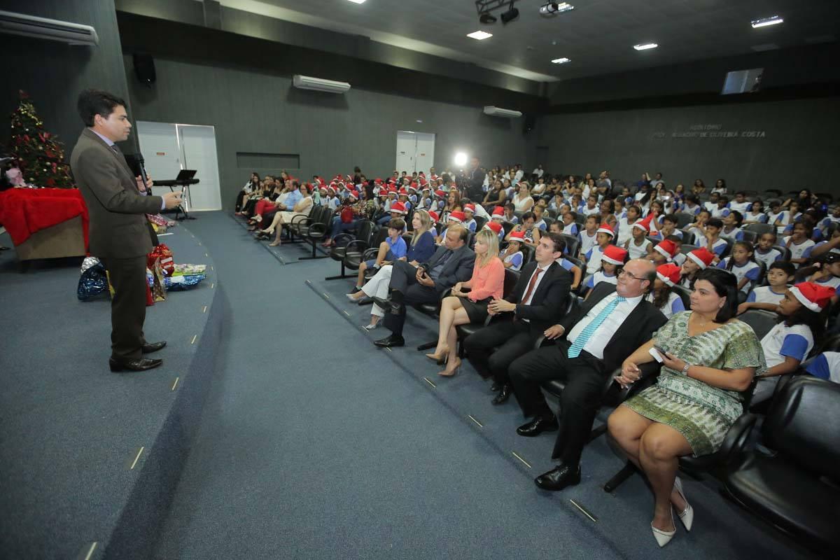 Juiz Hélio Pinheiro, coordenador de Projetos Especiais da Esmal, falou para os participantes sobre a solidariedade. Foto: Itawi Albuquerque