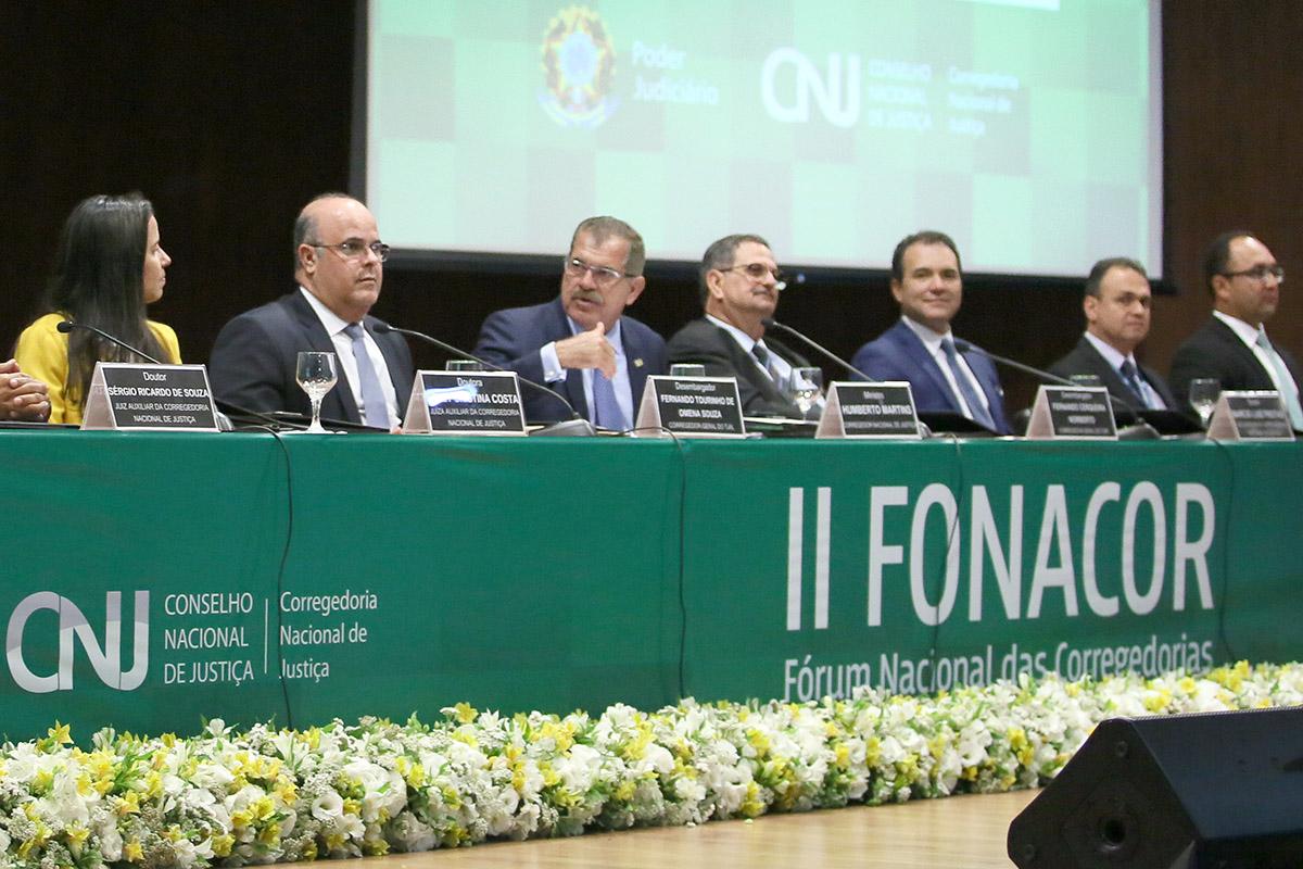 Desembargador Fernando Tourinho integrou a mesa na cerimônia de abertura do evento. Foto: Foto: Gil Ferreira/Agência CNJ