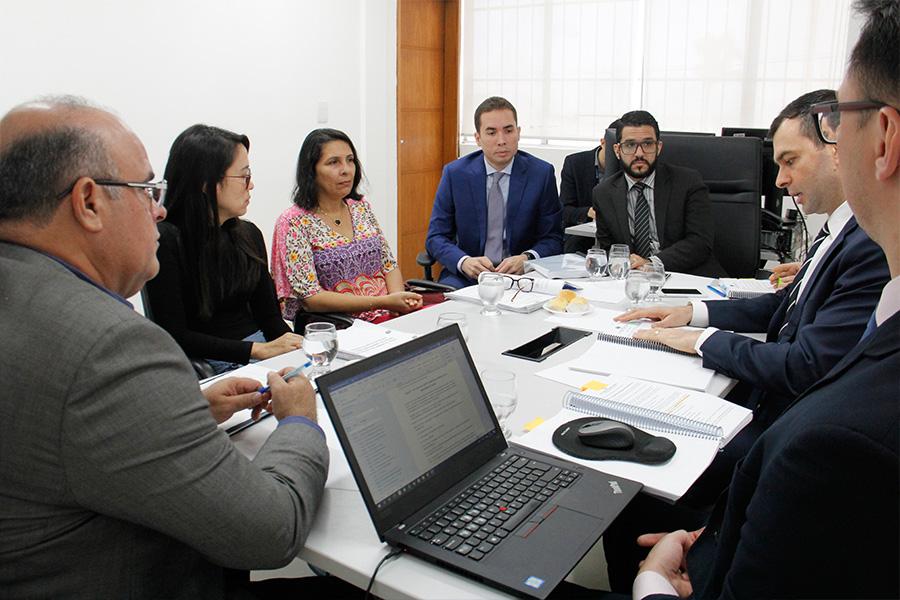 Reunião com a comissão ocorreu no prédio da CGJ/AL. Foto: Anderson Moreira